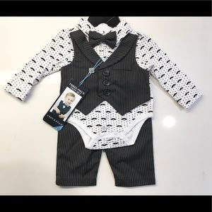 NEW! Baby Boys Andy & Evan Suit😎